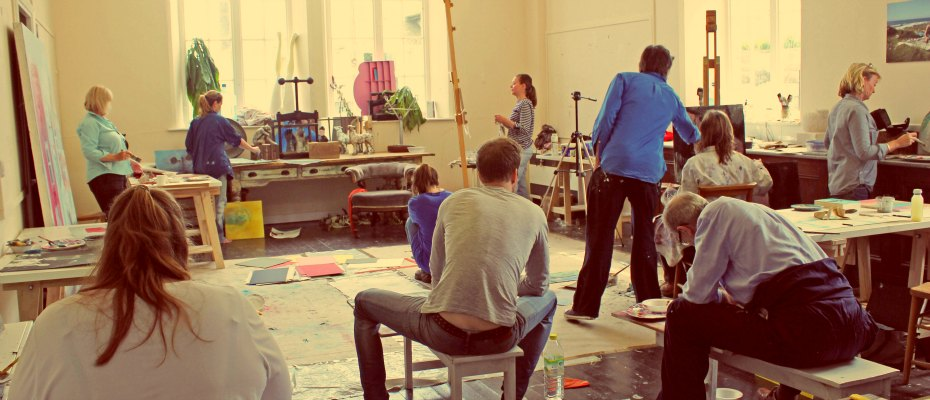 35 DIFFERENT INSPIRING ART COURSES